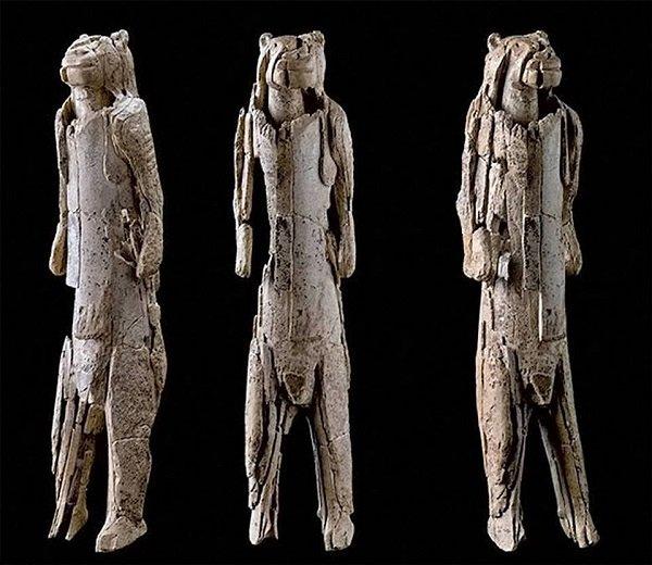 Statua uomo leone